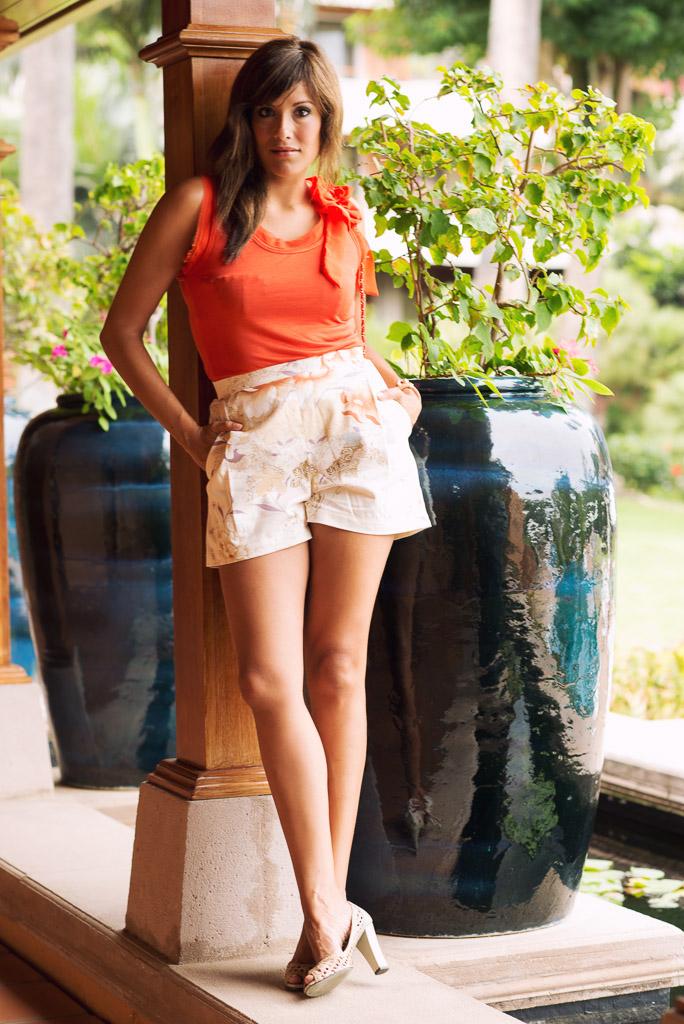 look short vintage blusa naranja cadenas mini bolso chanel mango (4)