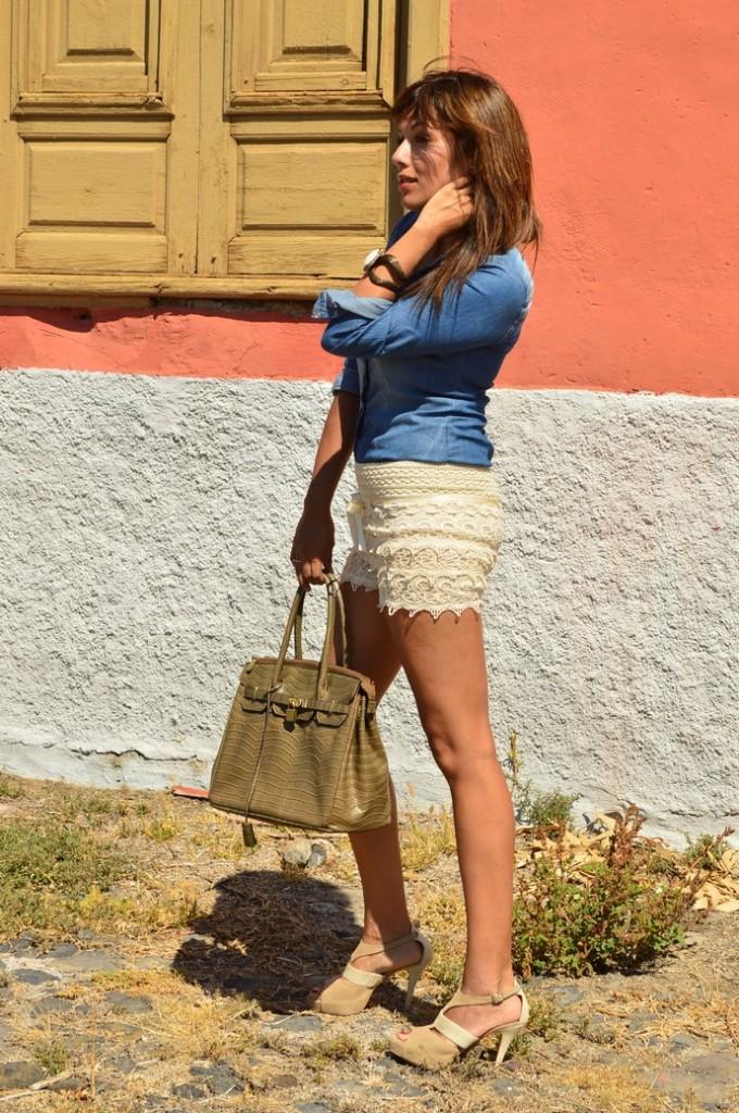 short encaje camisa denim bolso piton zapatos nude (2)
