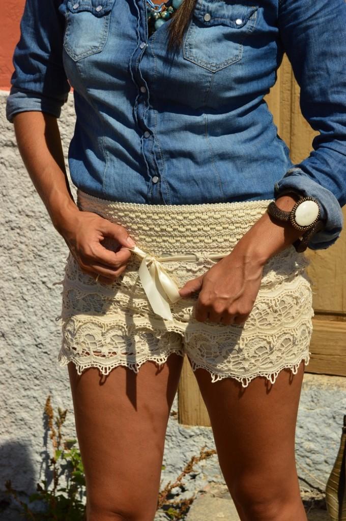 short encaje camisa denim bolso piton zapatos nude (5)
