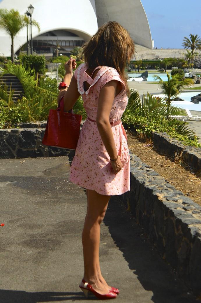 ook vestido diksi naif rosa cinderella bolso rojo furla floral blogger tenerife  (1)