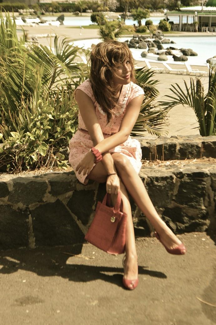 look vestido diksi naif rosa cinderella bolso rojo furla floral blogger tenerife (5)