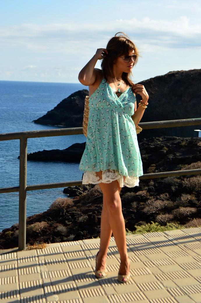 look vestido naif perritos azul capazo paja blogger4