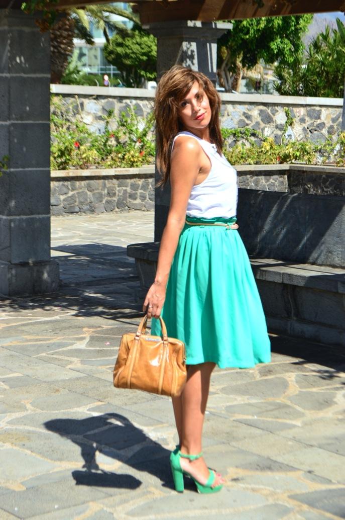 look vestido verde amplio camiseta print fotografa blanco negro vintage _0712