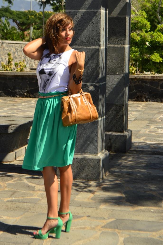 look vestido verde amplio camiseta print fotografa blanco negro vintage _0709