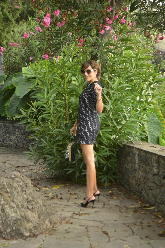 look vestido lady bordado suizo negro tacones charol vintage bolso _0045