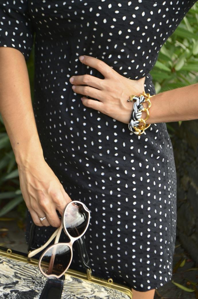 look vestido lady bordado suizo negro tacones charol vintage bolso _0055