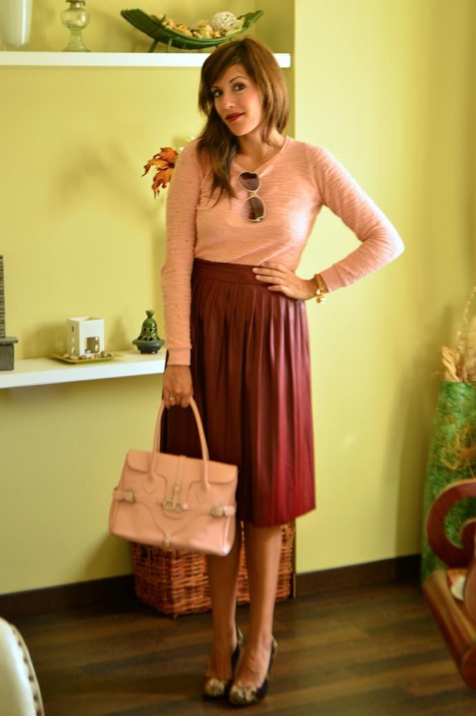 look falda tablas piel con jersey rosa zapatos tapizado zara _0554