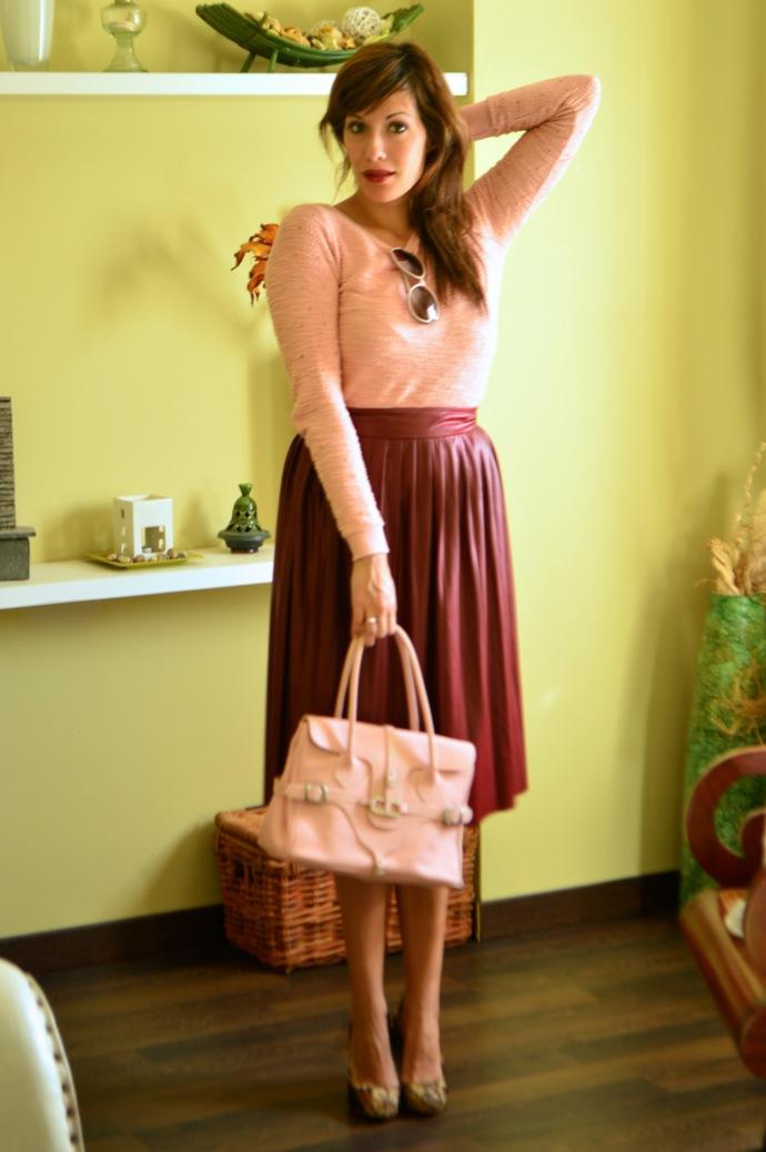 look falda tablas piel con jersey rosa zapatos tapizado zara _0559