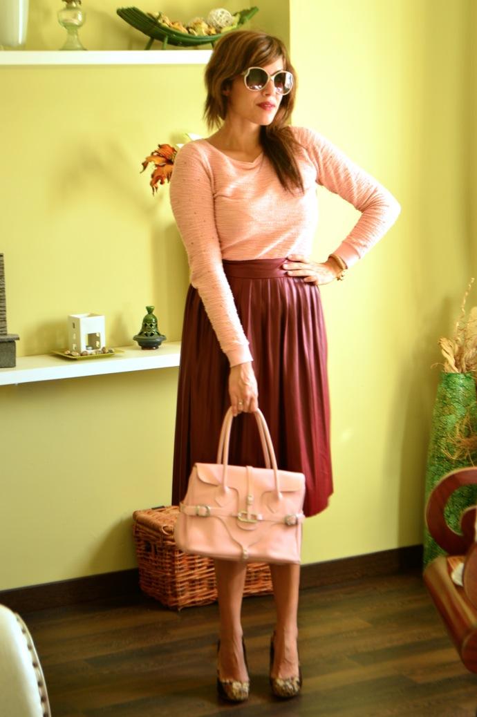look falda tablas piel con jersey rosa zapatos tapizado zara _0560