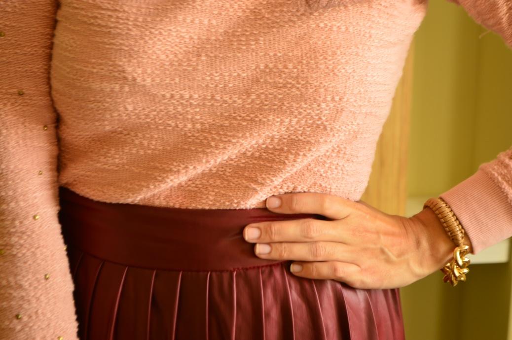 look falda tablas piel con jersey rosa zapatos tapizado zara _0566