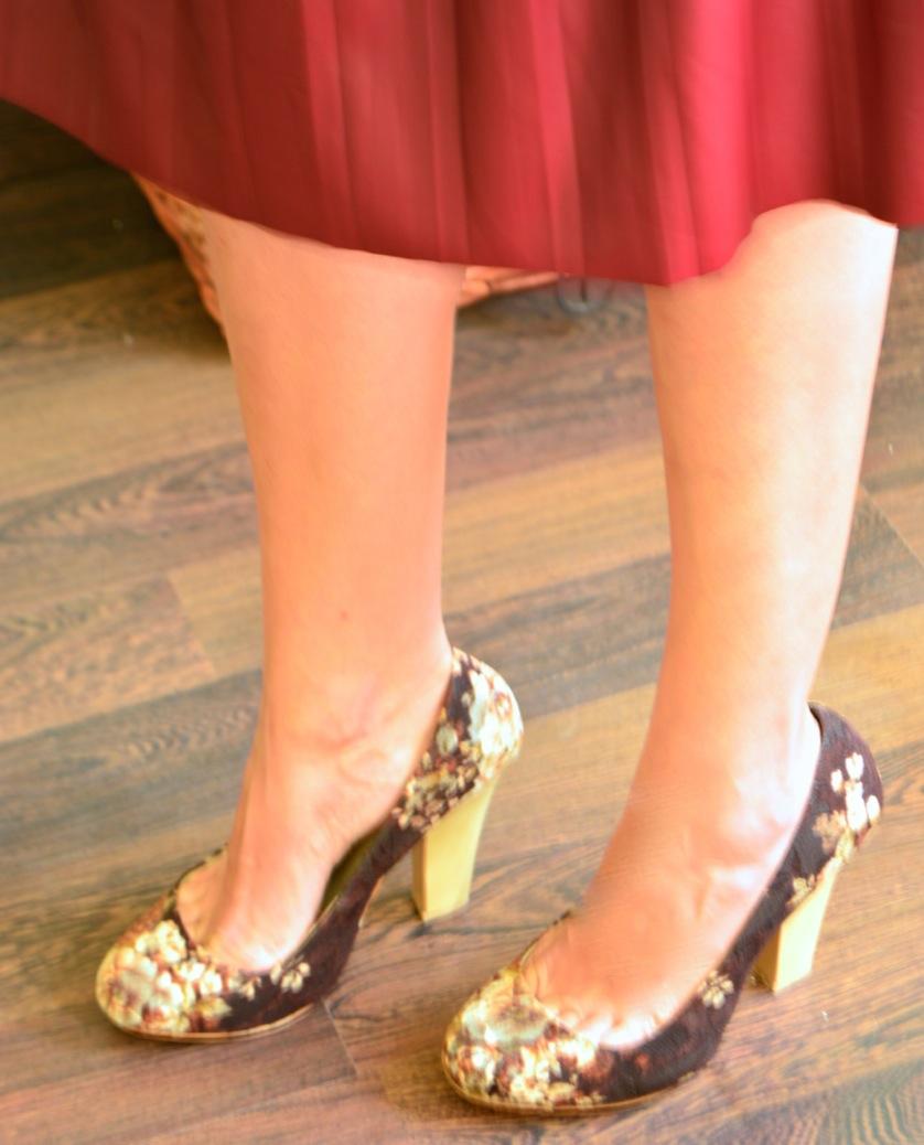 look falda tablas piel con jersey rosa zapatos tapizado zara _0568