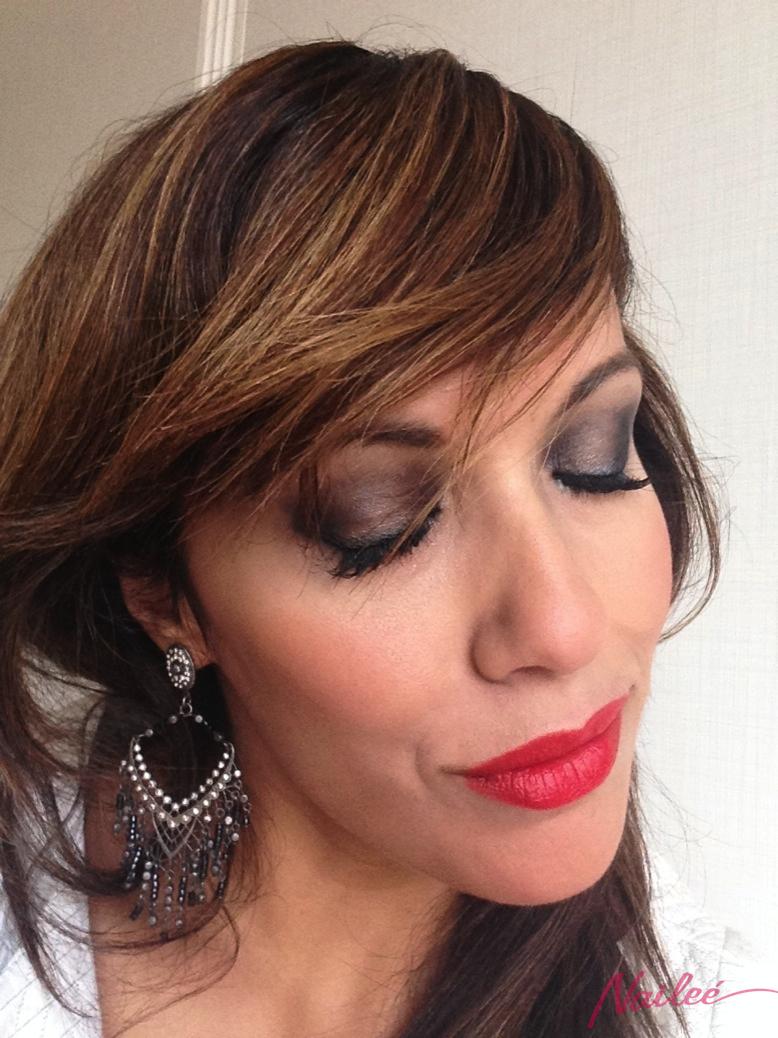 maquillaje ahumado gris metalizado labios rojo mate _0668 copy