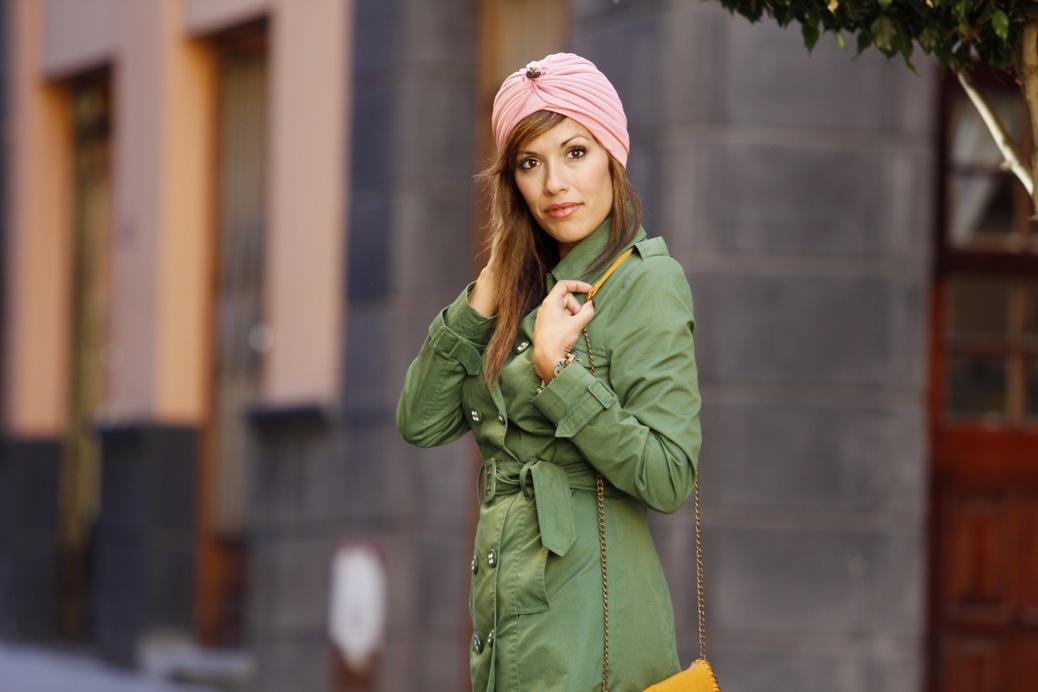 look con turbante vaquero trench verde denim7695p