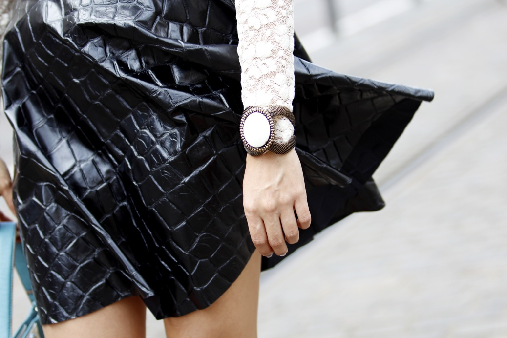 look falda cuero print animal blusa encaje etxart and pano tranvia tenerife8120P