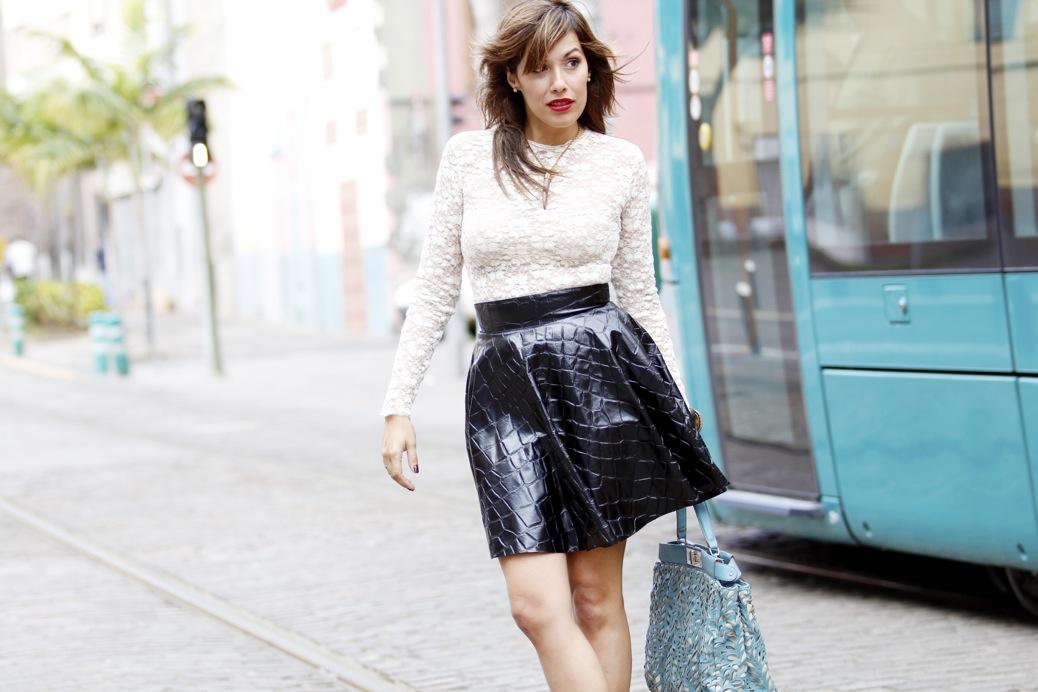 look falda cuero print animal blusa encaje etxart and pano tranvia tenerife8132p