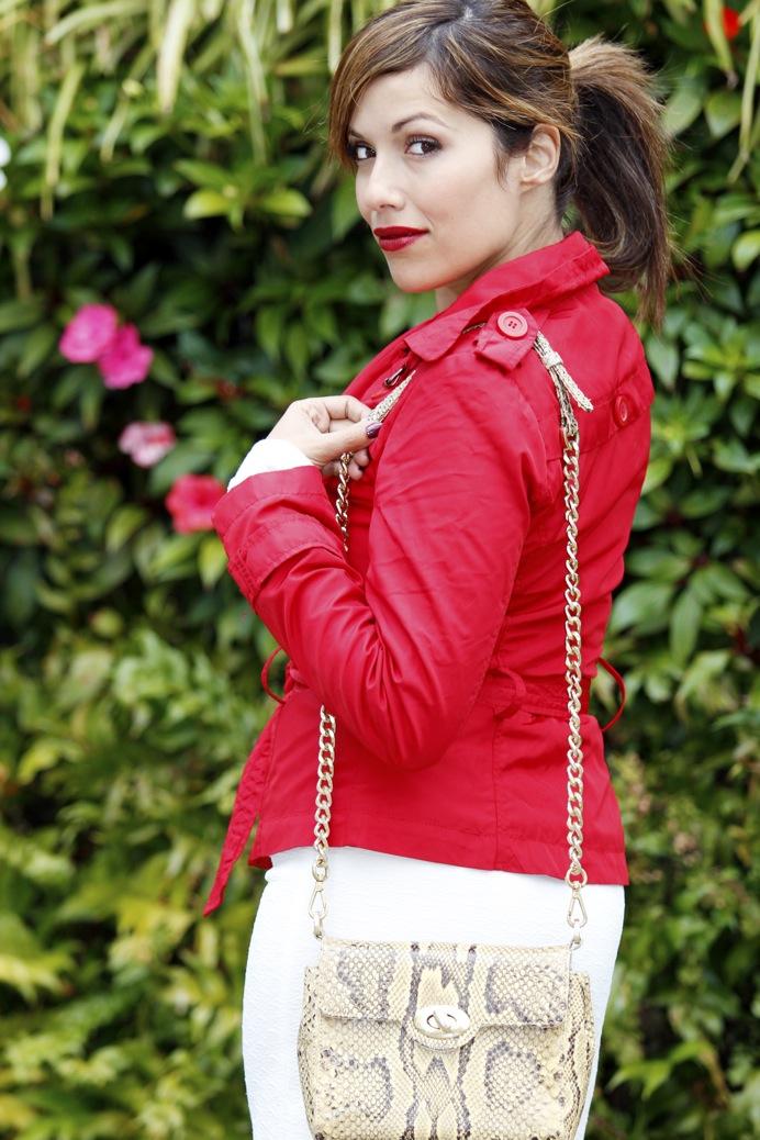 look falda blanca vintage chubasquero rojo python 8171pr