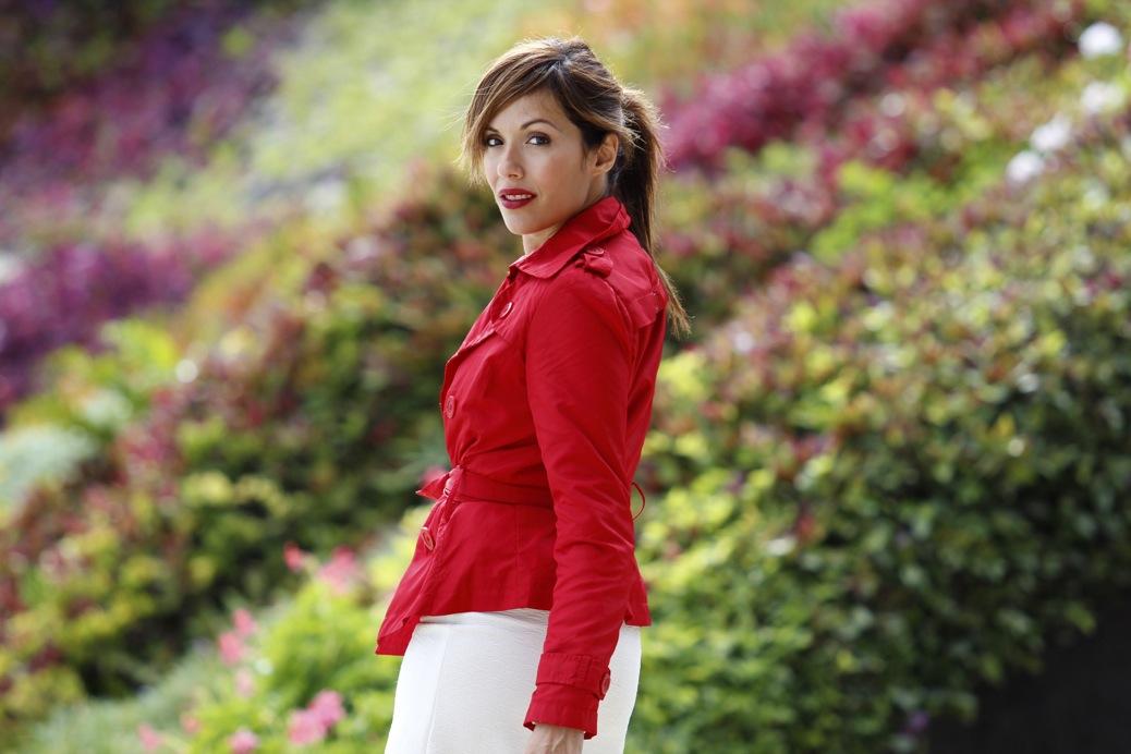 look falda blanca vintage chubasquero rojo python 8203pr