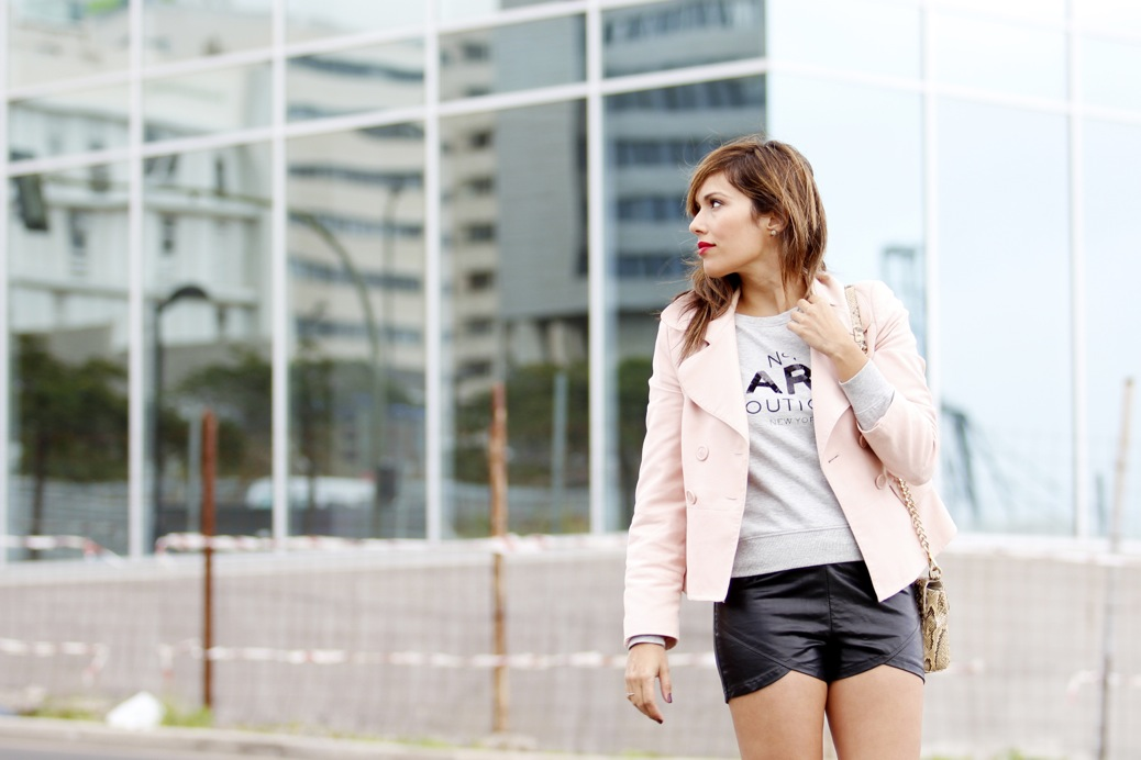 look short cuero blazer rosa candy bota cut out sudadera mango 7997p