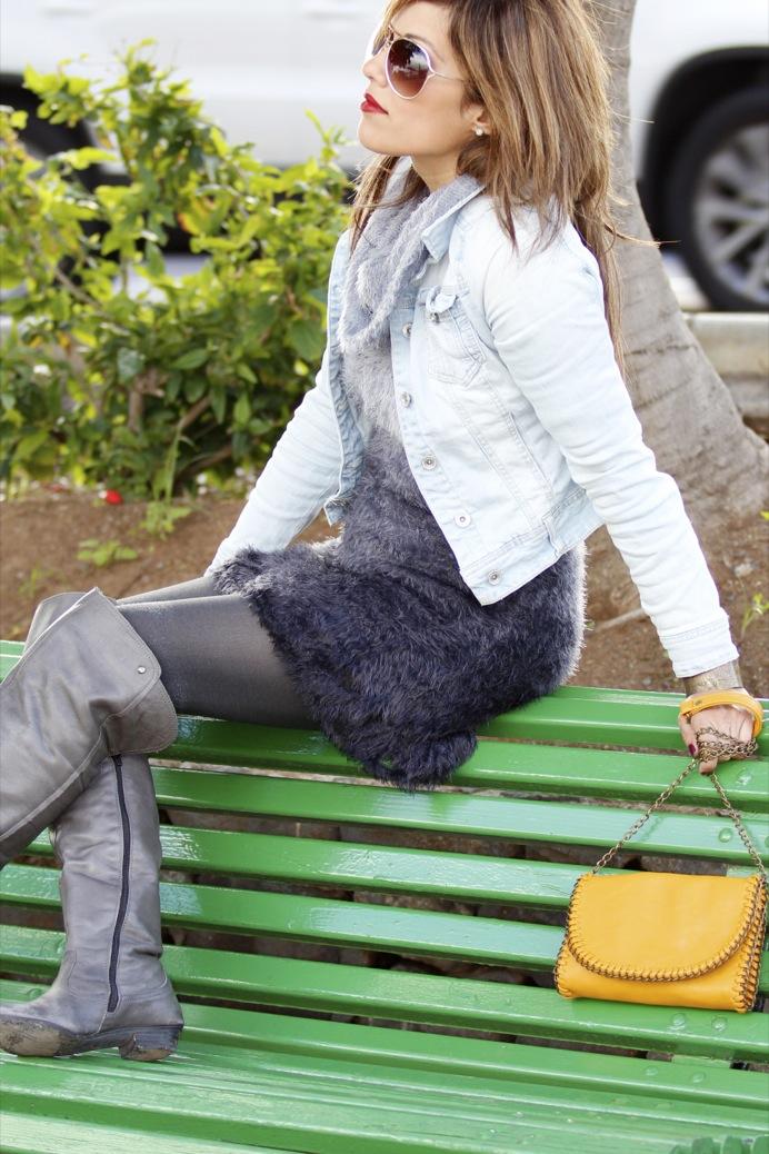 look vestido pelo fur botas mosqueteras bandolera gris amarillo7915p