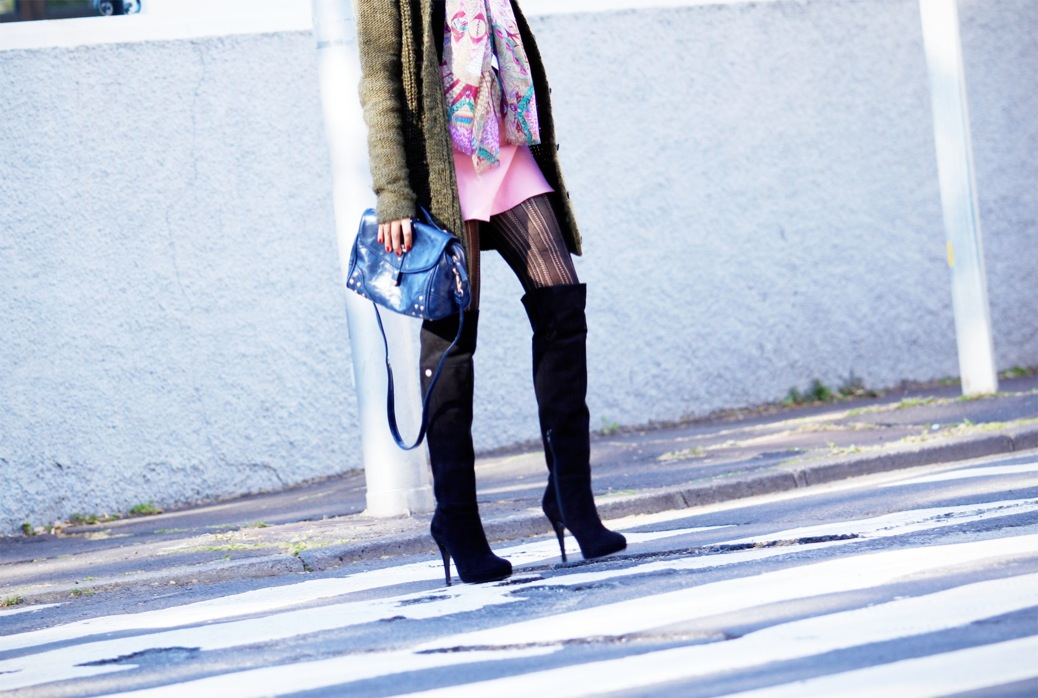 look falda volante rosa punto ver cardigan botas sobre rodilla knee 9585pr