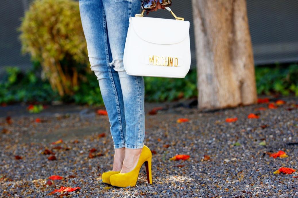 look vaquero blazer camel zapatos amarillos flores 9705p
