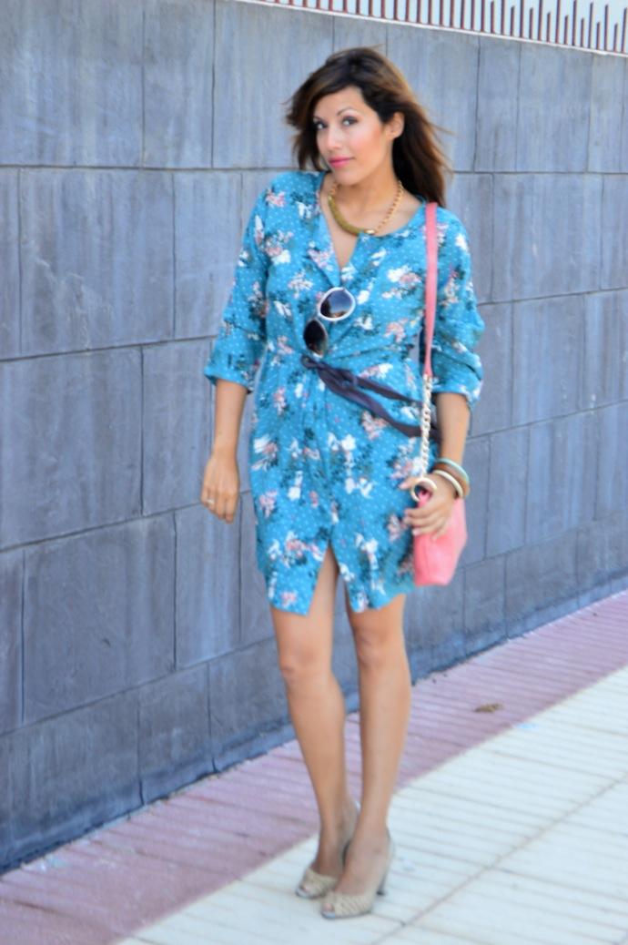 look vestido camisero azul floral individual  2