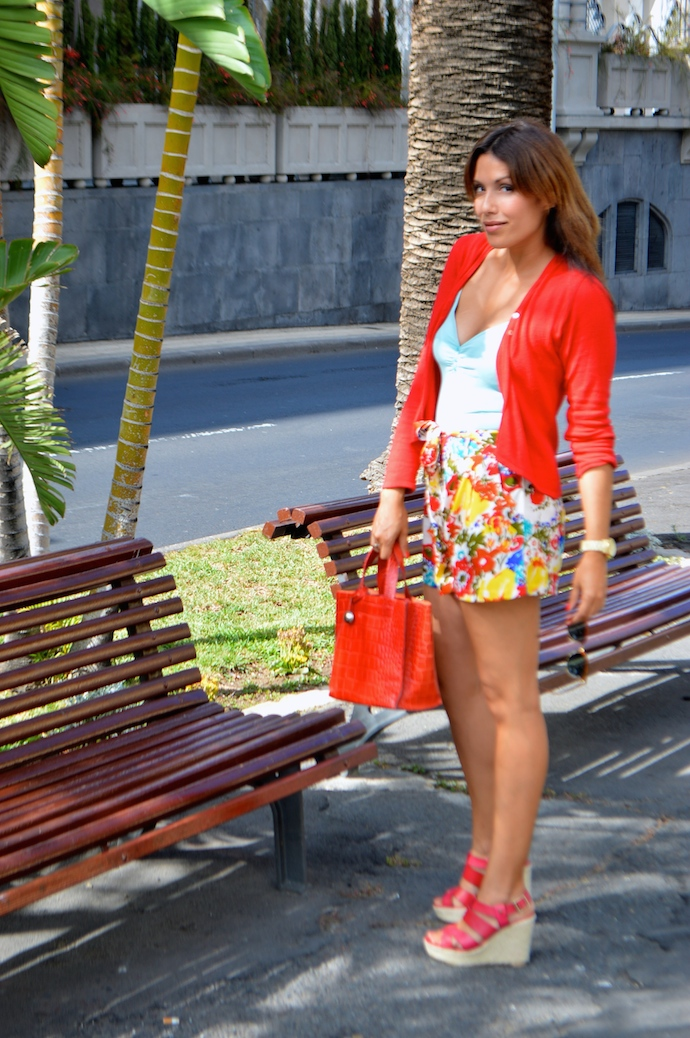 look short floral t shirt basica