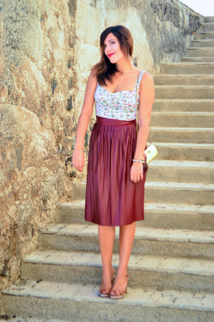 look burgundy midi skirt crop top floral zara pull and bear 0085