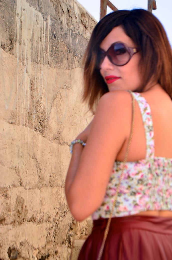 look burgundy midi skirt crop top floral zara pull and bear 0089