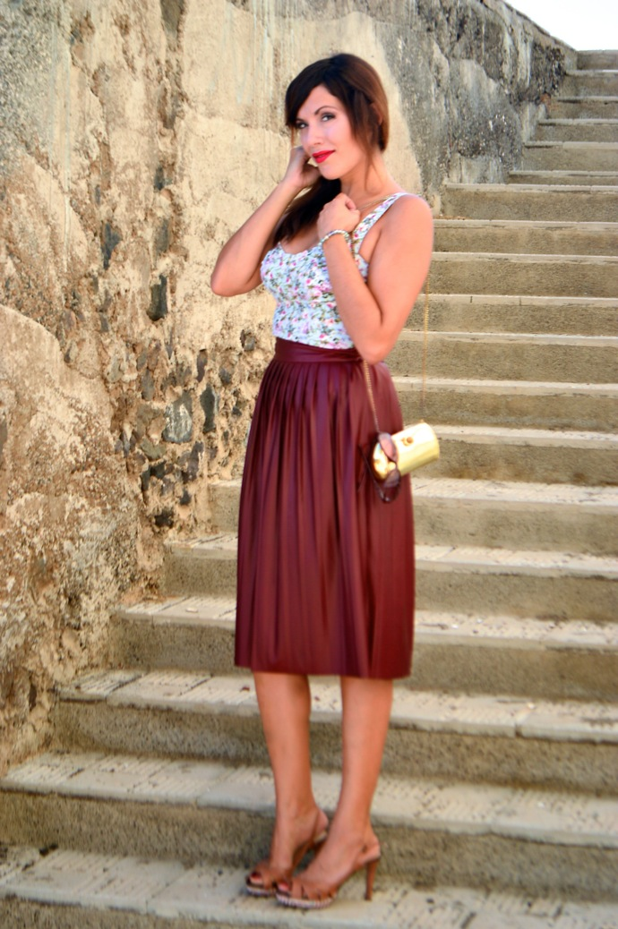 look burgundy midi skirt crop top floral zara pull and bear 0084