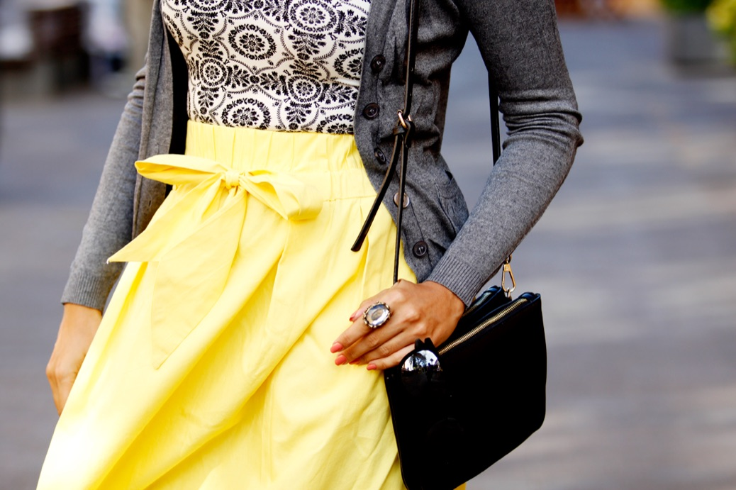 look falda amarilla lady abercrombie top cardigan chic 2