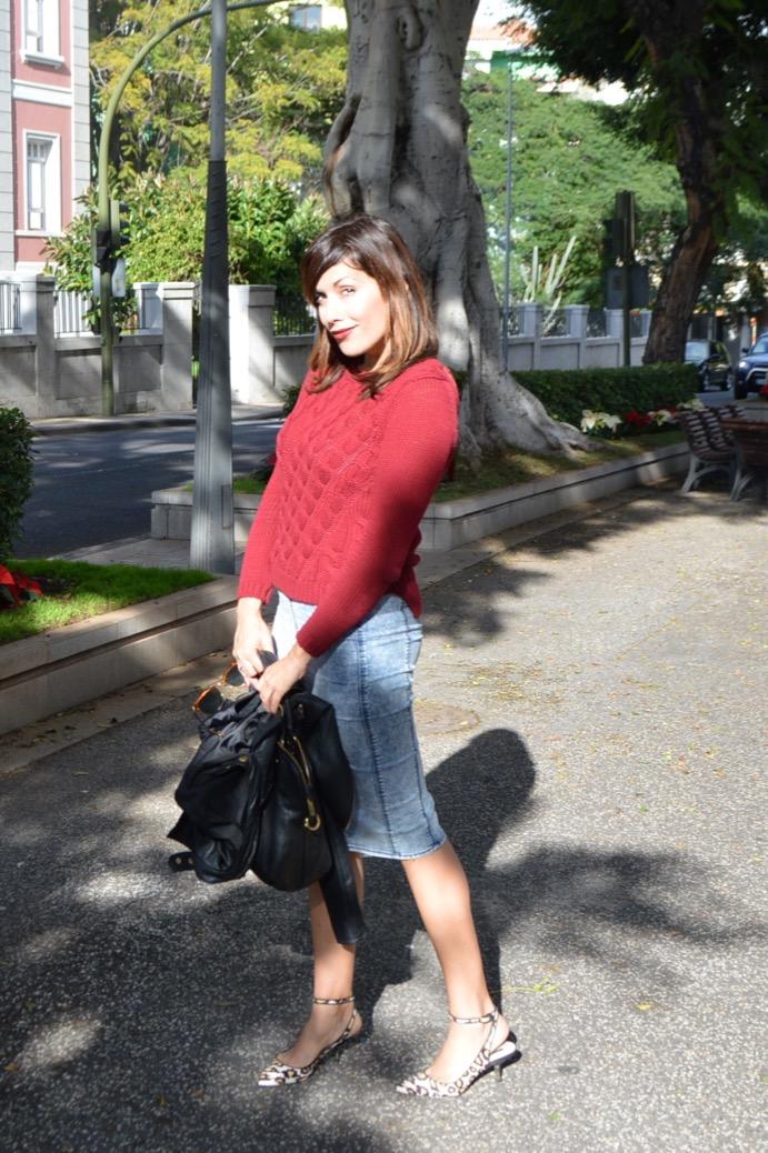 look jersey ochos rojo massimo dutti falda lapiz vaquera animal print 0126