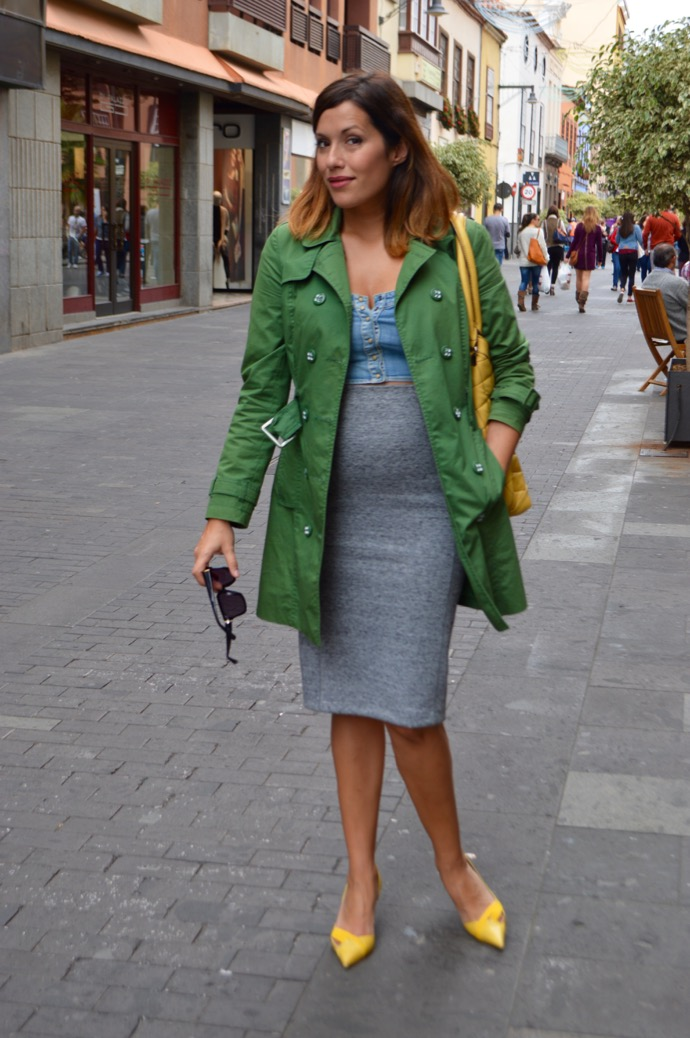 look falda lapiz trench amarillo verde embarazada 0438