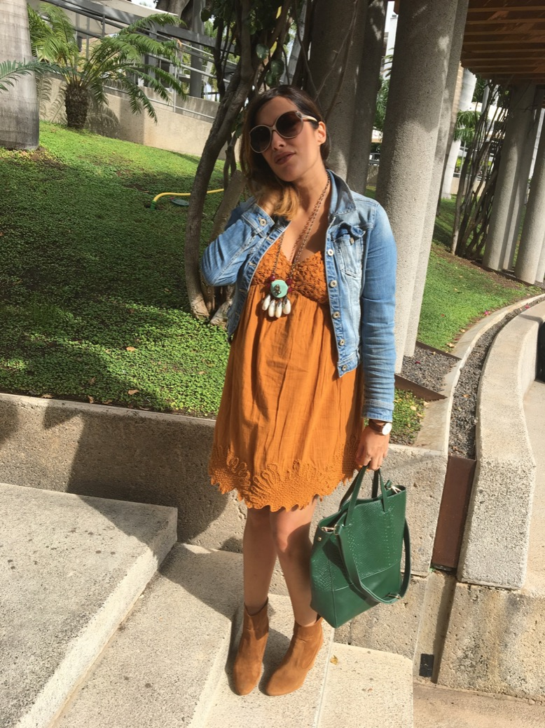 look vestido mango camel botin verde bordado zara 0309
