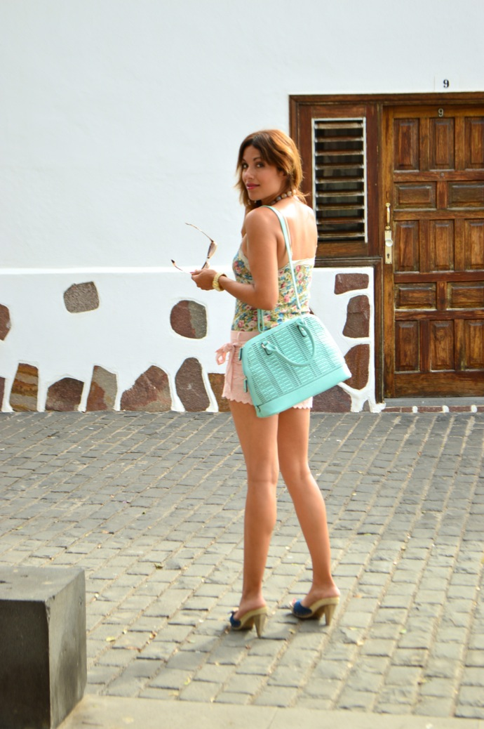 look-short-encaje-pastel-top-flores-denim-brocado-tenerife-15.06